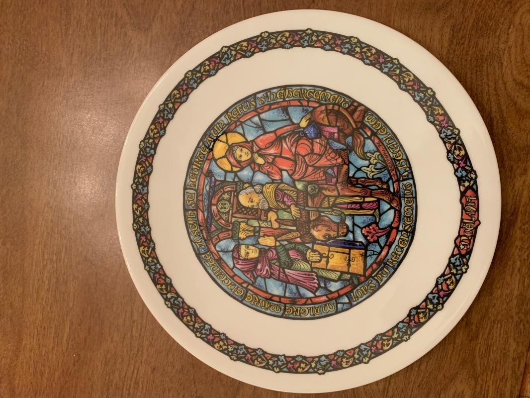 1977 D'Arceau of Limoges, France collectors plate