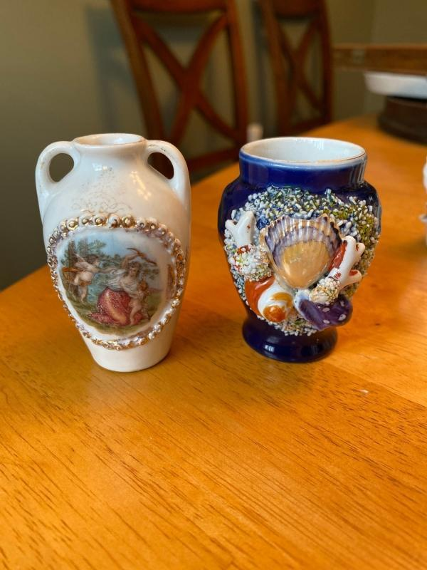 Set of 5 mini glass collectibles