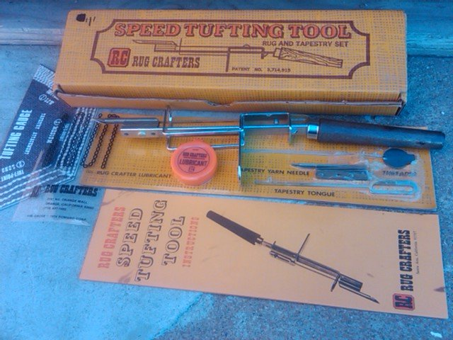 RUG CRAFTERS SPEED TUFTING TOOL TAPESTRY MAKING SET ORIGINAL SANTA ANA CALIFORNIA ADVERTISING BOX