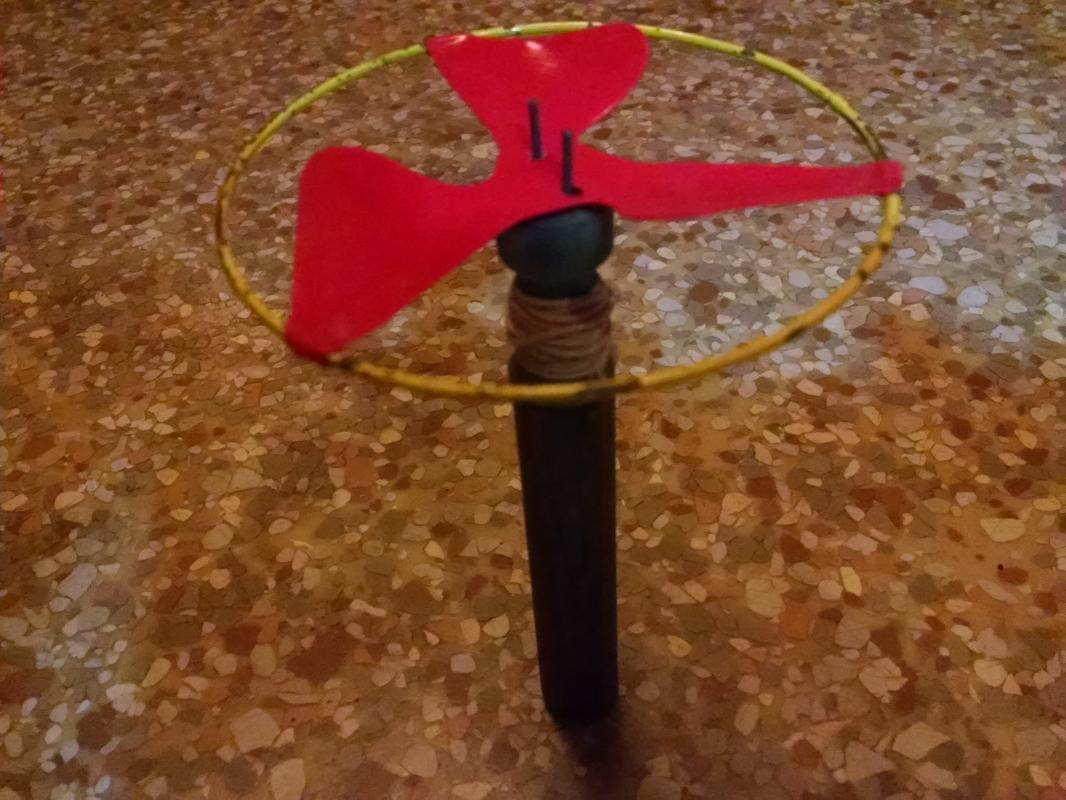 Toy Spinner 1950's Pull String Style Flying Disk Launcher