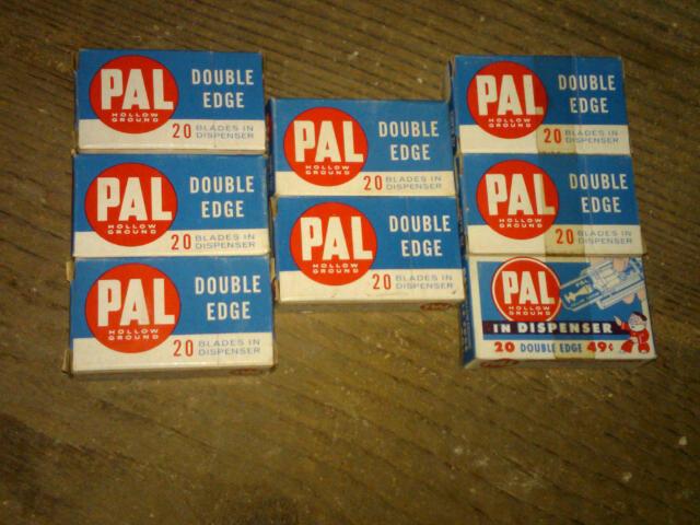PAL HOLLOW GROUND DOUBLE EDGE RAZOR BLADE SHAVING ACCESSORY