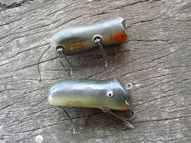 Shakespeare Genuine Swimming Mouse Fishing Lure Wooden Plug Sport Fish Collectible