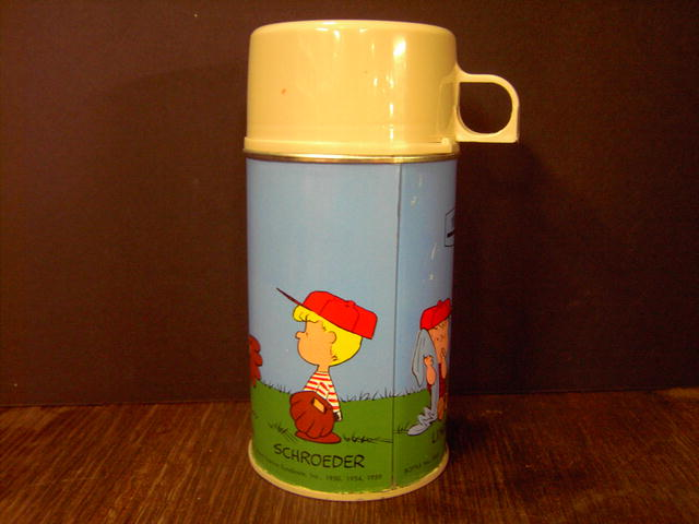 PEANUTS SNOOPY THERMOS BOTTLE CHARLES SCHULZ CARTOON COLLECTIBLE LUNCH PAIL ACCESSORY