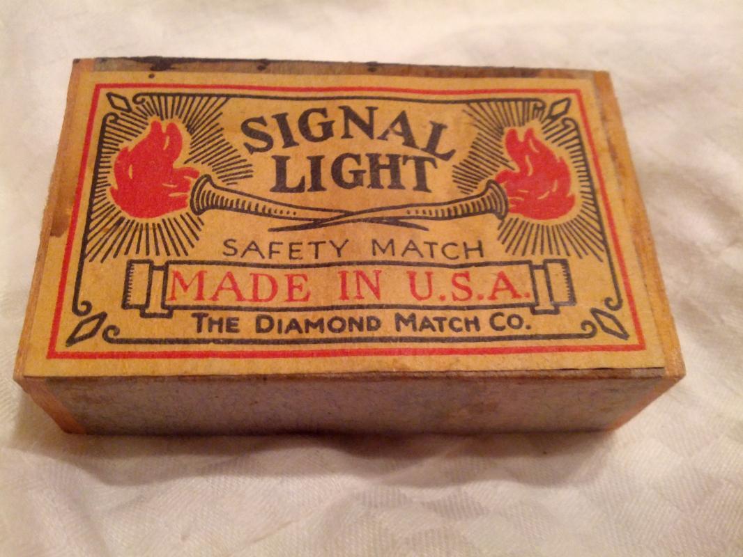 Signal Light Safety Match Cardboard Matchbox USA American Made Household Good