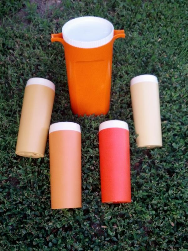 GITS WARE RETRO PICNIC UTENSIL HI KOOL GLASS TUMBLER CUP GUSTAVBERG SWEDEN JUICE PITCHER PLASTIC TABLEWARE ROSELLE ILLINOIS SWEDISH MADE BARWARE