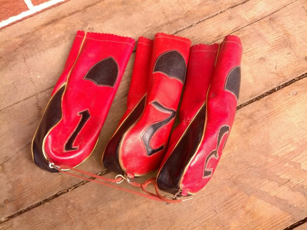 red black vinyl golf club head cover set retro 1950's golfing bag accessory made in japan cloth advertising tag