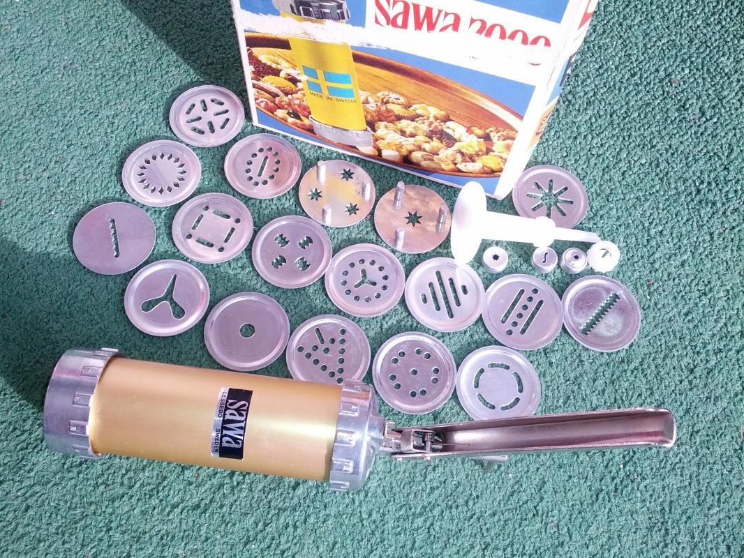 sawa 2000 swedish cookie making utensil pastry press kitchen tool dessert cooky maker sweden manufactured food preparation gadget