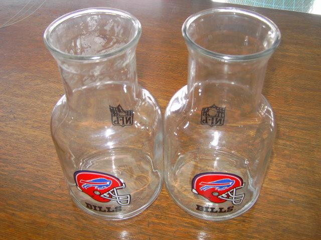 BUFFALO BILLS NFL FOOTBALL CARAFE GLASS PITCHERS