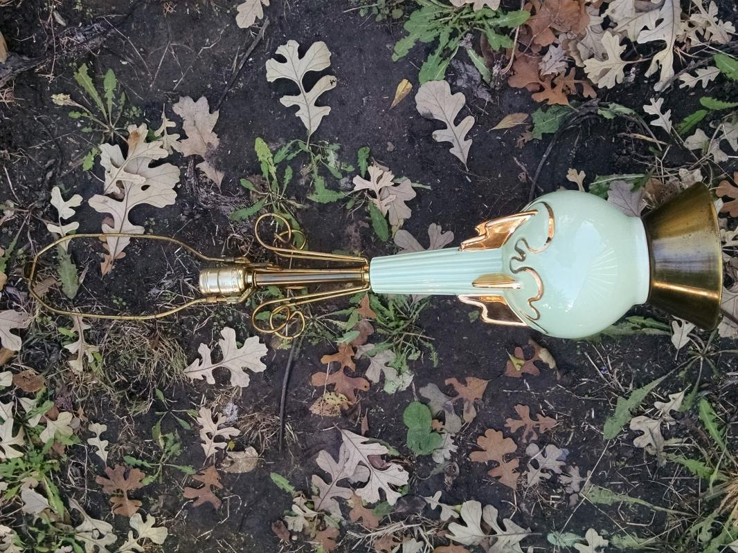 1955 C MILLER GREEN GOLD POTTERY LAMP PARLOR LIGHT ROCKET SPACEAGE DESIGN