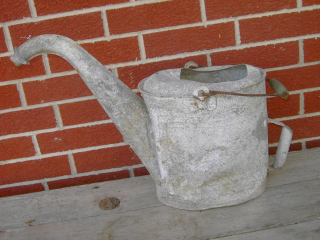 GALVANIZED STEEL WATER CAN GOOSE NECK POUR SPOUT GREEN PAINTED WOOD HANDLE GRIP