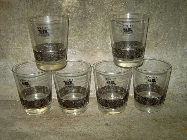 SCHLITZ MALT LIQUOR BAR GLASS COCKTAIL DRINK TUMBLER SET