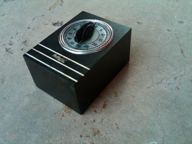 HOTPOINT BLACK BAKELITE OVEN TIMER EDISON ELECTRIC COMPANY ART DECO KITCHEN TOOL