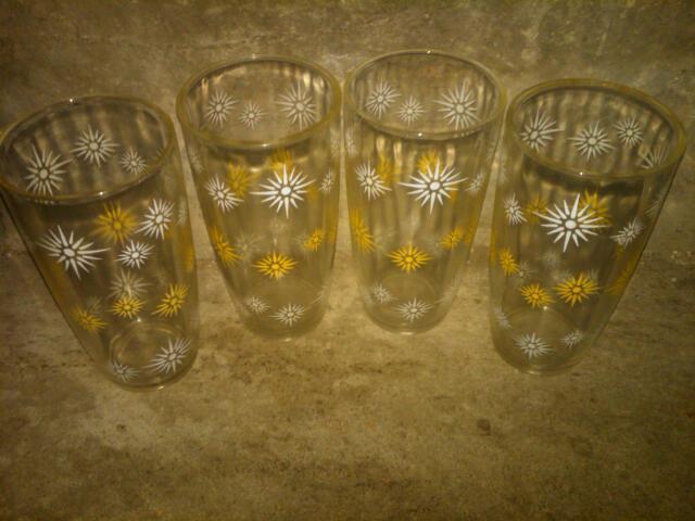 YELLOW WHITE SHINEY STAR BURST KITCHEN BAR GLASS TUMBLER HAZEL ATLAS COCKTAIL ACCESSORY