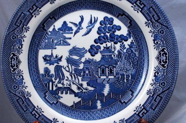 4  BLUE WILLOW PLATES  Churchill Staffordshire 10