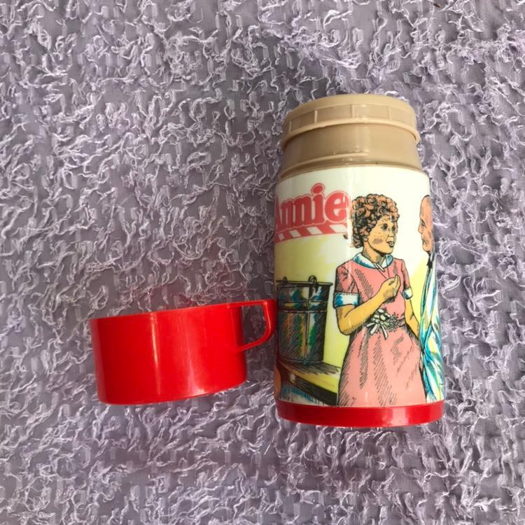 Aladdin  Little Orphan Annie Thermos 1981
