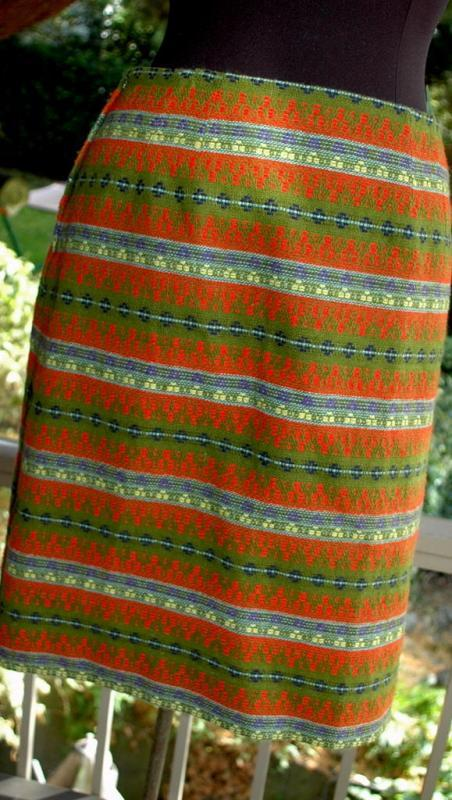 Geometric Striped  pattern Woven Tweed Skirt, vintage  Dark Olive Green with red, yellow, blue