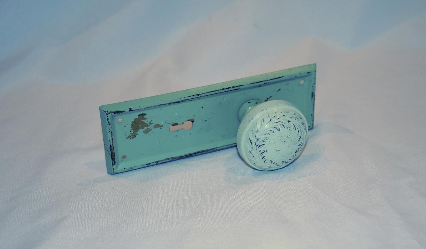 Shabby Chic Painted Metal Door Knob with Backplate