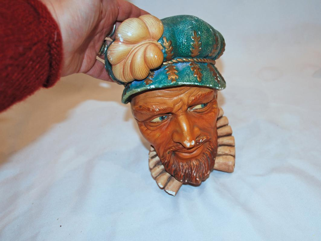 Large Sir Walter Raleigh Chalkware Head Wall Art by Legend Products.  Similar to Bossons.