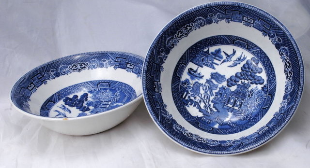 2 Johnson Brothers  Blue Willow Cereal or Fruit Bowls. Made in England
