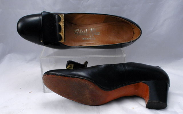 Hill and Dale Vintage Black Leather Pumps Pilgrim Style Brass Front  size 5.5AA from Frederick & Nelson's Seattle