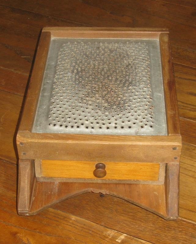 VINTAGE ITALIAN PARMESAN CHEESE GRATER WOODEN BOX WITH DRYER  DRAWER RUSTIC
