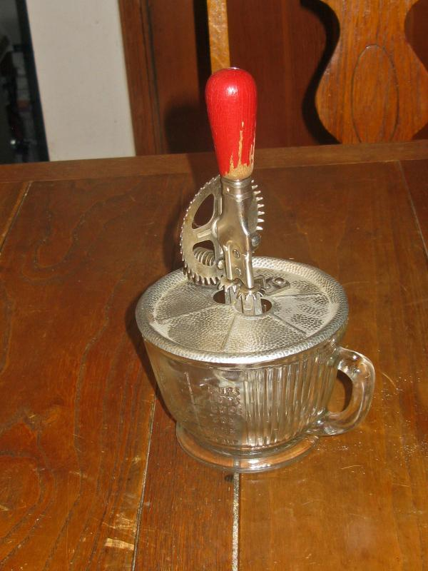 Vintage Rotary Egg beater with Original Measuring Glass Patent 1923