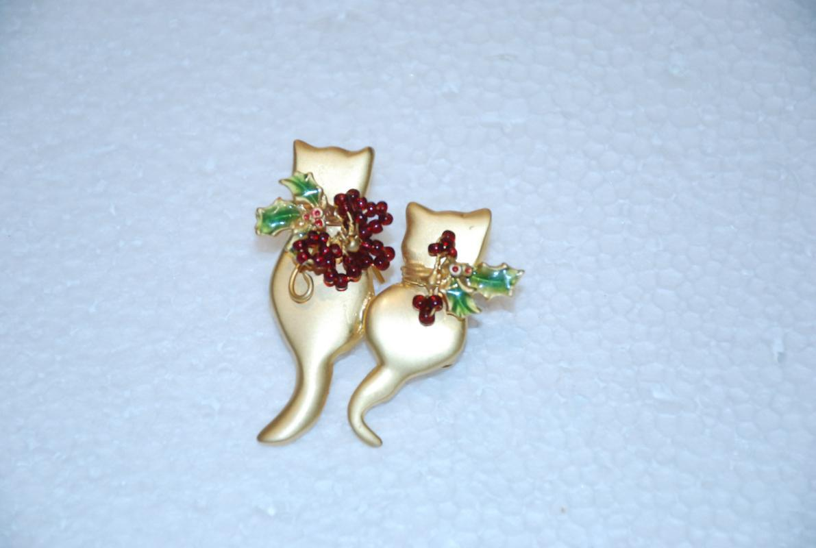 Double Cats with Holly Berries Pin Brooch   Holiday Christmas
