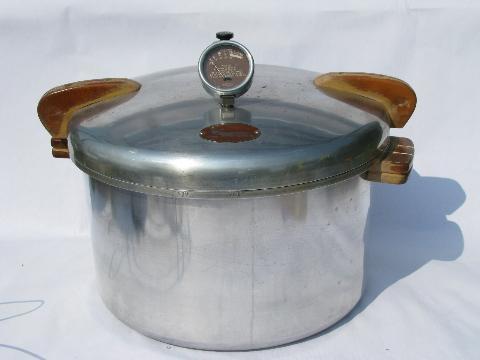 Vintage National No.7 Pressure Cooker Canner 16 Quart Wood Handles USA