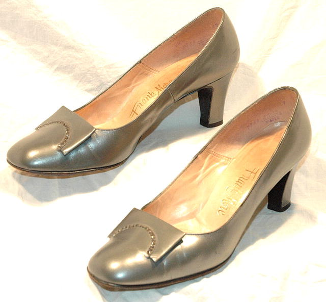 Frank More Vintage Pumps Gray, Pewter Leather with Rhinestones. 6.5