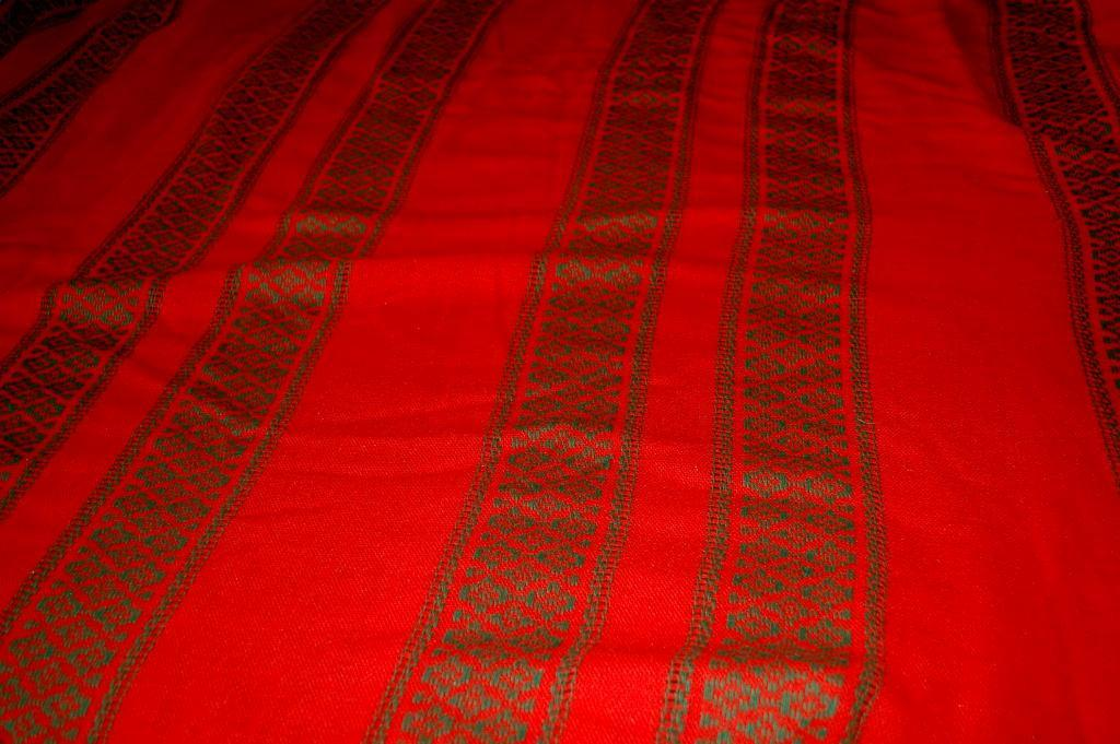 Vintage  Long Oval Red/ Green Tablecloth Christmas, Ethnic,