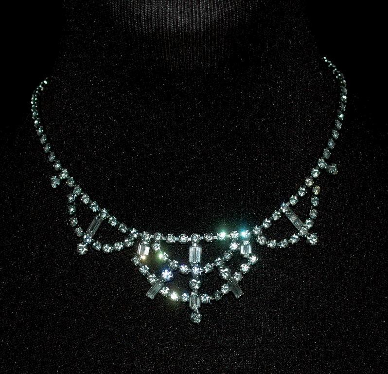 White Crystal Rhinestone Choker Necklace, Vintage  Elegant Princess  Style