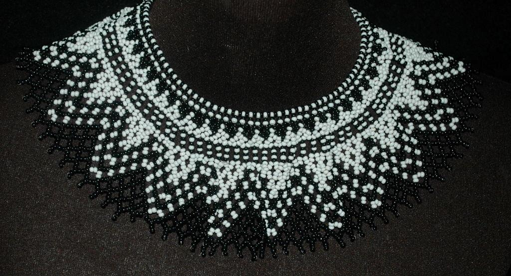 9b6f8e4e0f3738 Beaded Collar Necklace of Black White Czech Glass Seed Beads in a complex  pattern