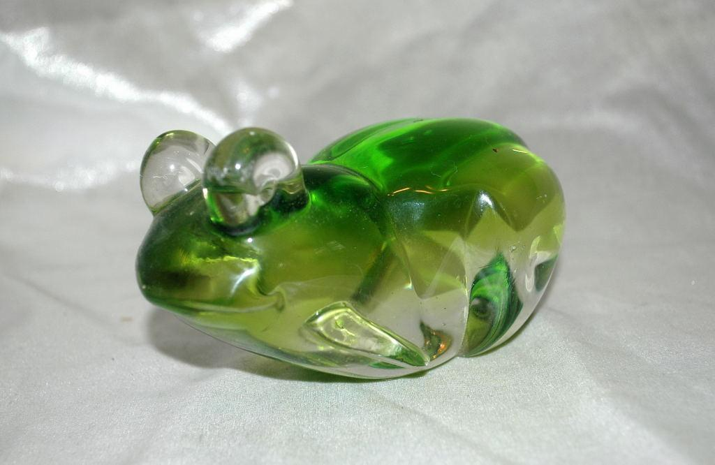 Green Frog Glass Paperweight