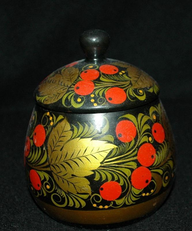 VINTAGE RUSSIAN KHOKHLOMA LACQUER BOWL  WITH  LID