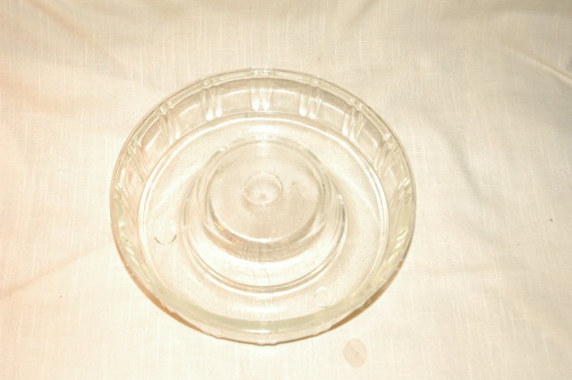 Queen -Anne Glassbake ring mold baking dish