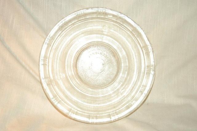 Queen -Anne Glassbake ring mold baking dish