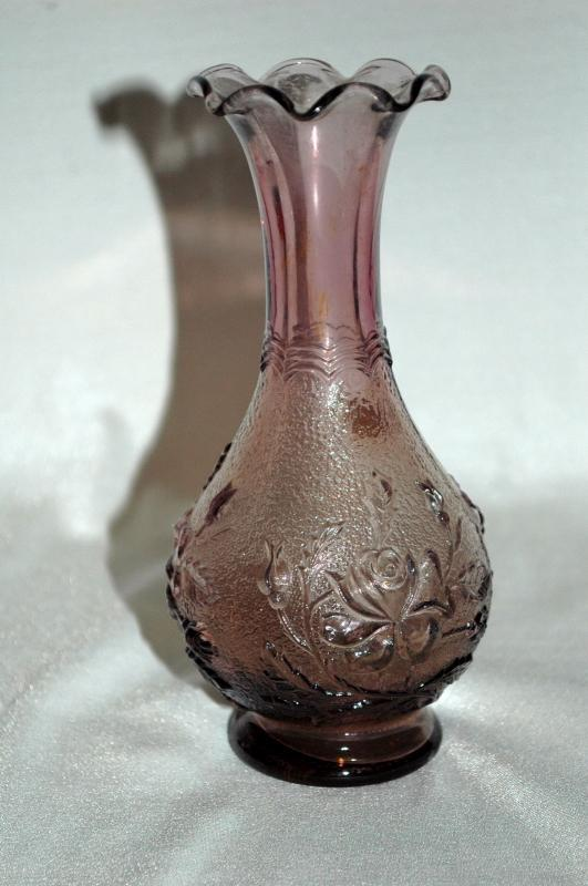Imperial Lavender Glass Vase with Rose Pattern 6
