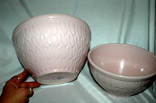 2 Pink NELSON MCCOY POTTERY PINK FEATHER  Pottery Nesting Mixing Bowls ROSEVILLE OHIO