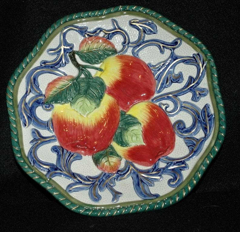 FITZ and FLOYD CLASSICS Majolica Apple Plate