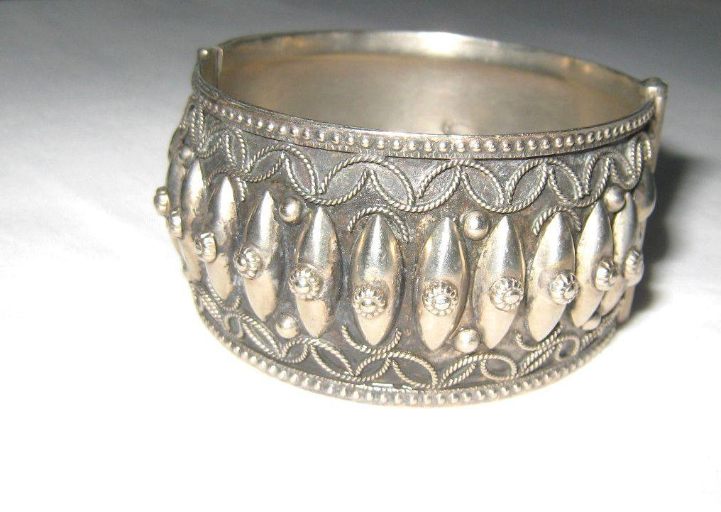 Antique Florence Italy Silver Hinged Cuff Bracelet.
