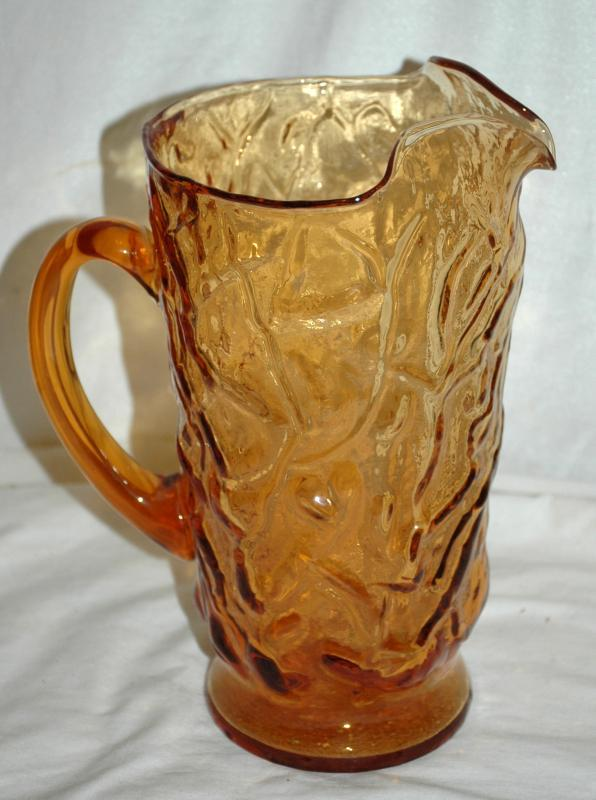 Vintage crinkle glass pitcher - Amber