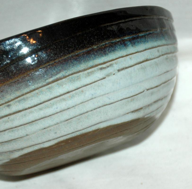 Peter Pots Stoneware Pottery Shell Bowl in Seagull Blue