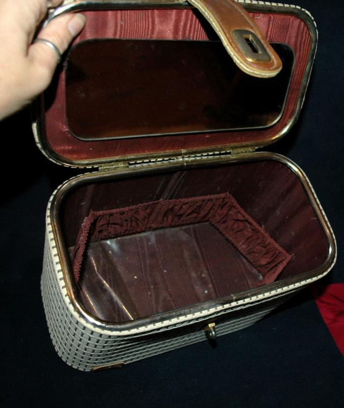 Vintage Train / Travel  Cosmetic Case   I. Magnin