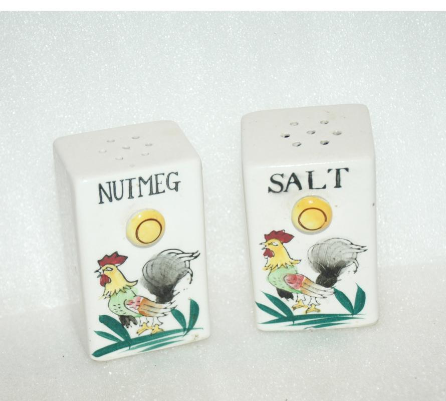 Rooster Ceramic Spice Rack Shakers Salt and Nutmeg  Japan