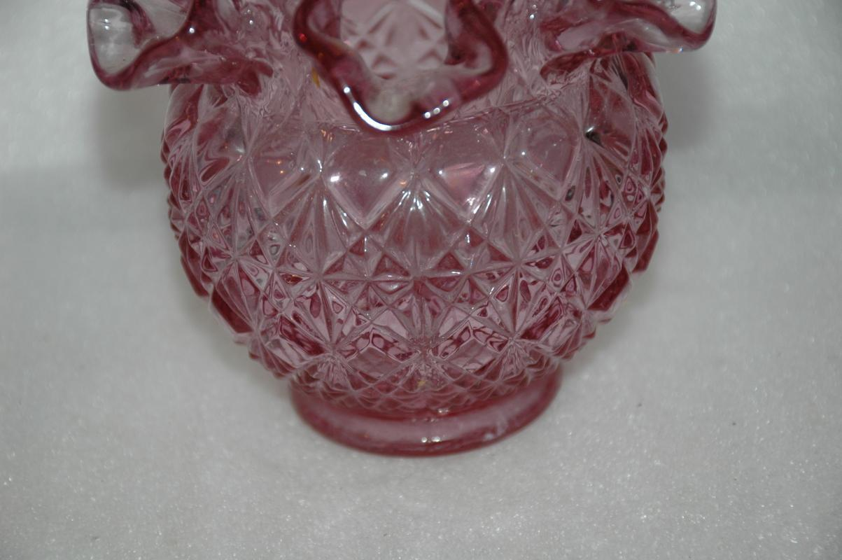Fenton Vase, Ruffled Vase, Lavender Pink Diamond Fan Pattern