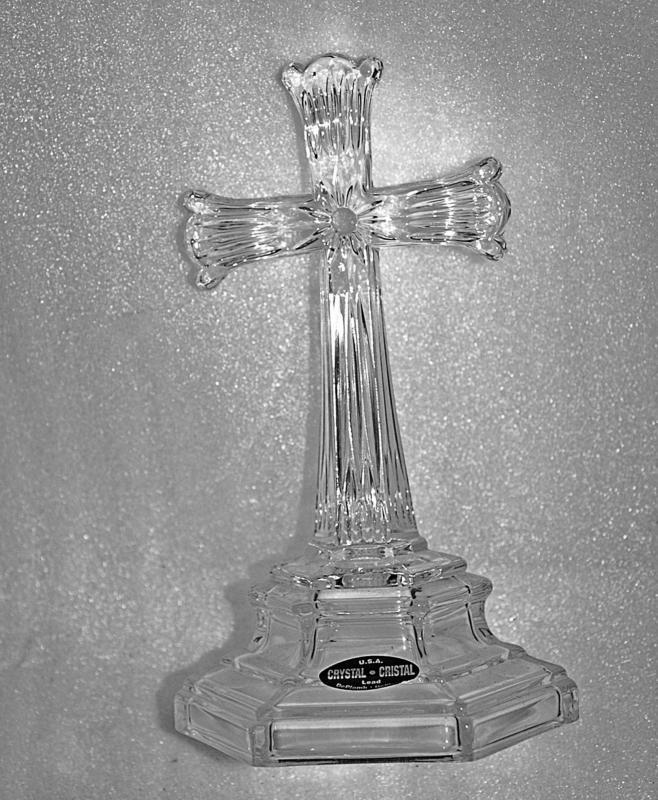 U.S.A.  Crystal Lead Crystal  Cross Crucifix