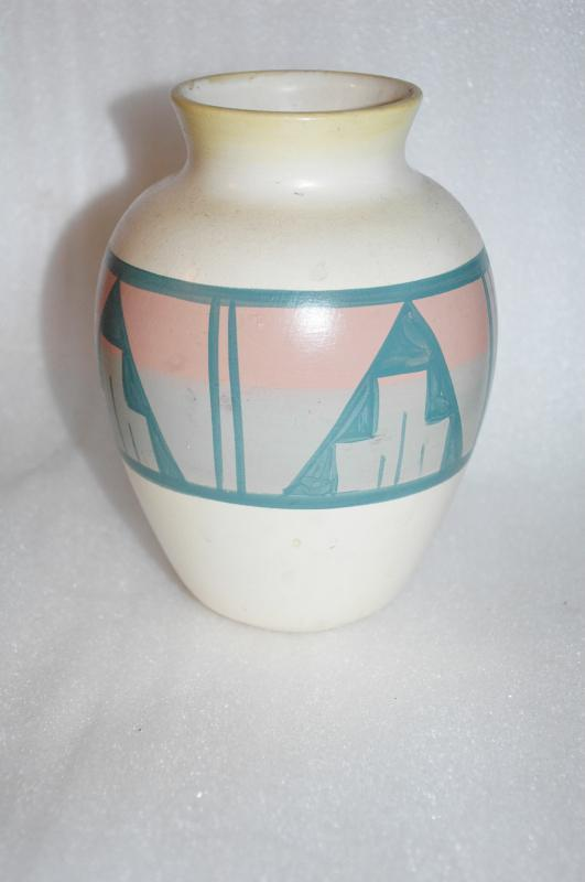 SOUTHWEST NATIVE AMERICAN  VASE BY SUNSHINE KLAY-N-KRAFT ARTIST SIGNED