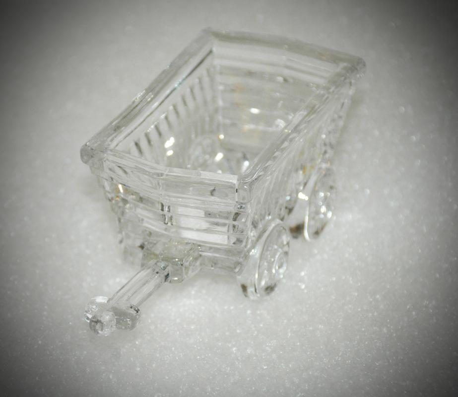 PRINCESS HOUSE 24% LEAD CRYSTAL #857 GARDEN CART MADE IN GERMANY