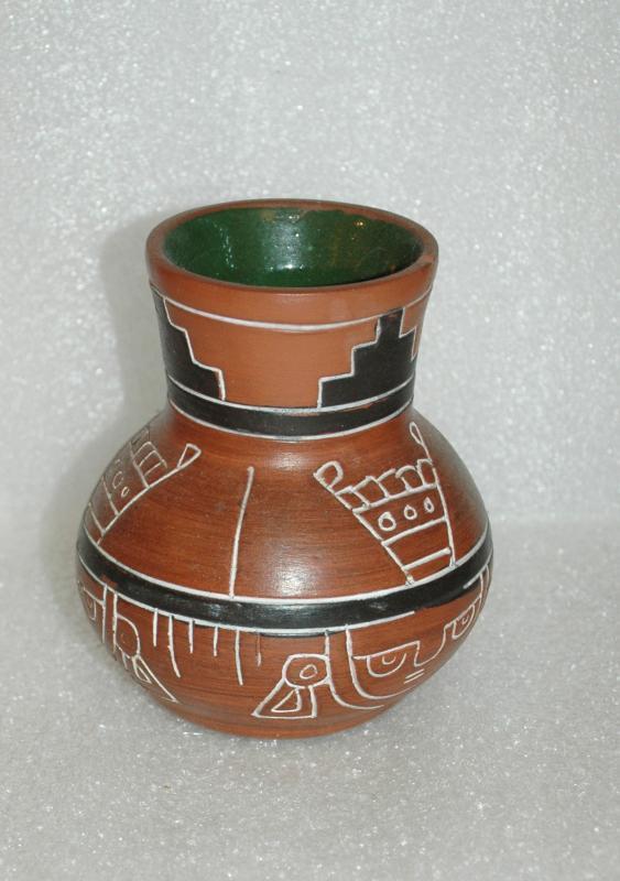 LEOPOLDO DE MEXICO NATIVE INDIAN VASE POTTERY
