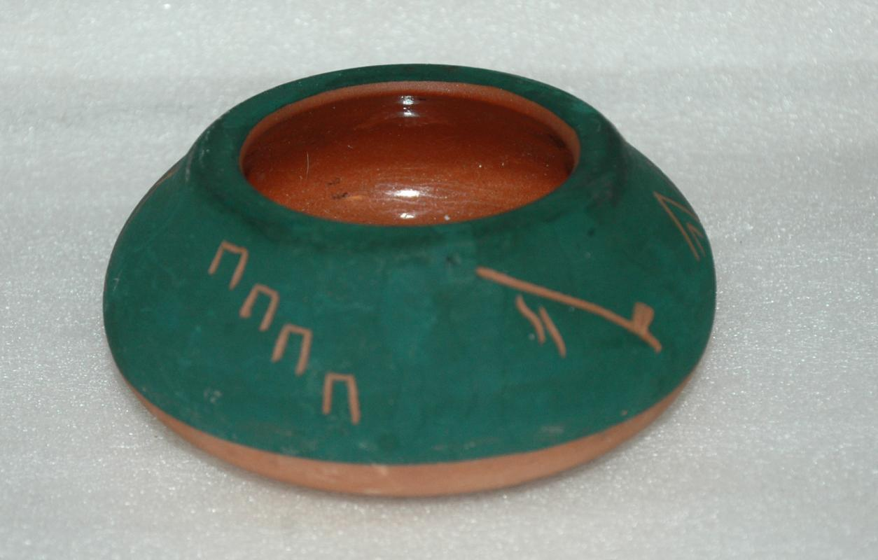 Sioux Pottery  Pot Bowl  Signed By Little Thunder